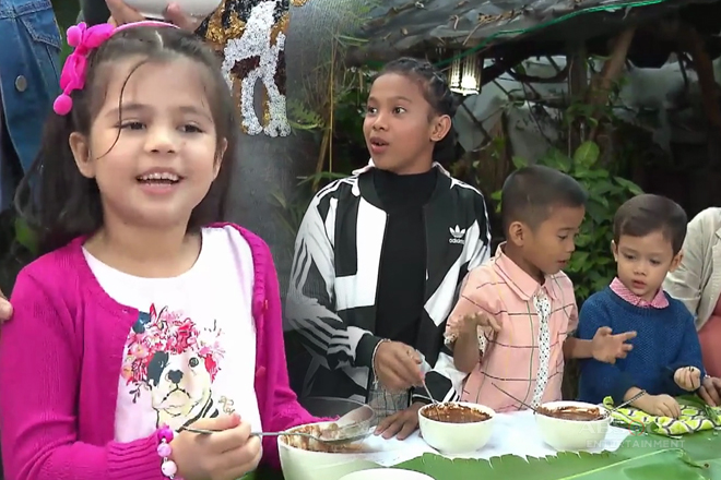Awra, Carlo at Xia, masayang tinikman ang champorado sa Baguio