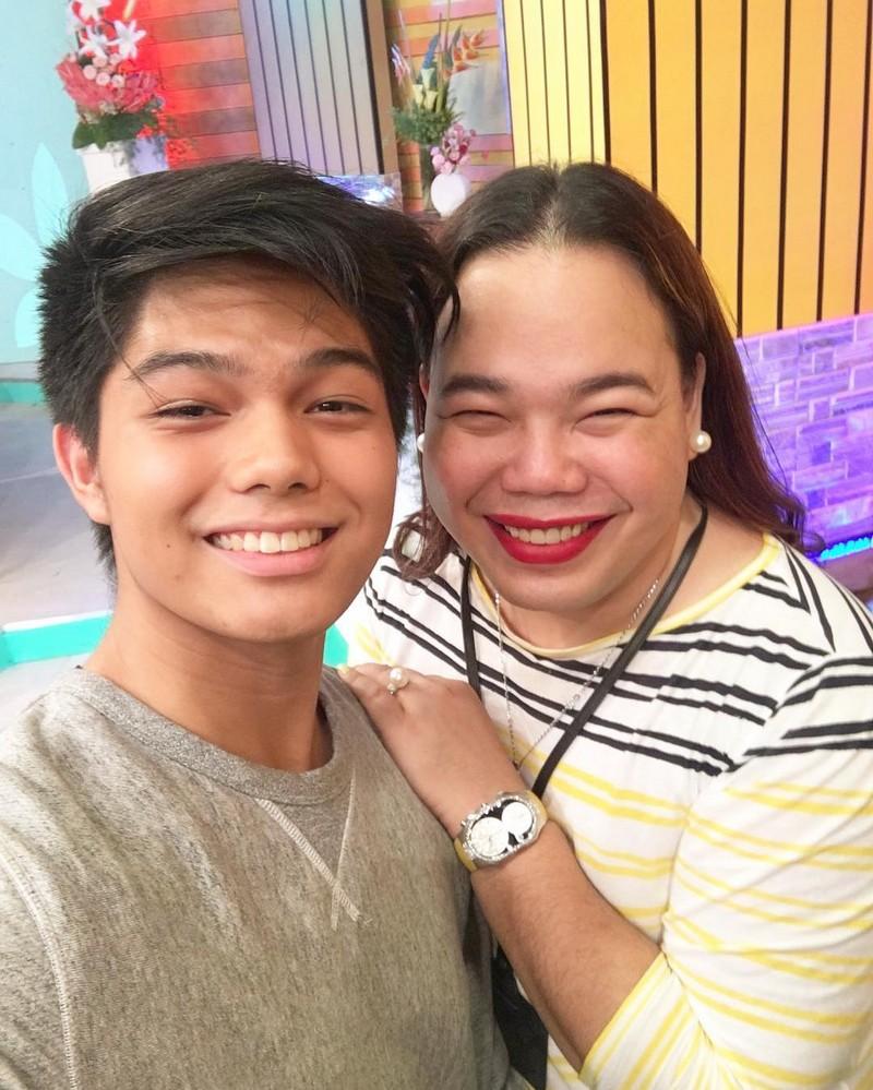 PHOTOS: Magandang Buhay with Sunshine Cruz and Bianca Lapus