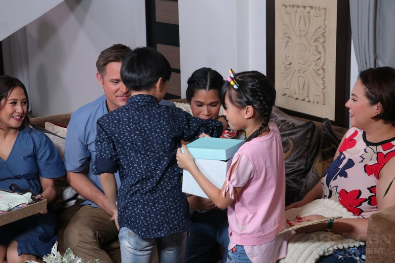 MB Exclusive: Baby Malia's first TV appearance