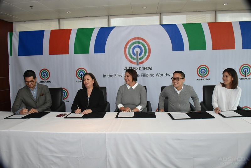 PHOTOS: Karla Estrada renews contract with ABS-CBN