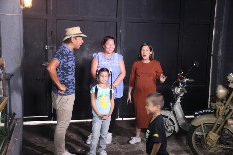 PHOTOS: Magandang Buhay Momshies invade Kuya Kim's house