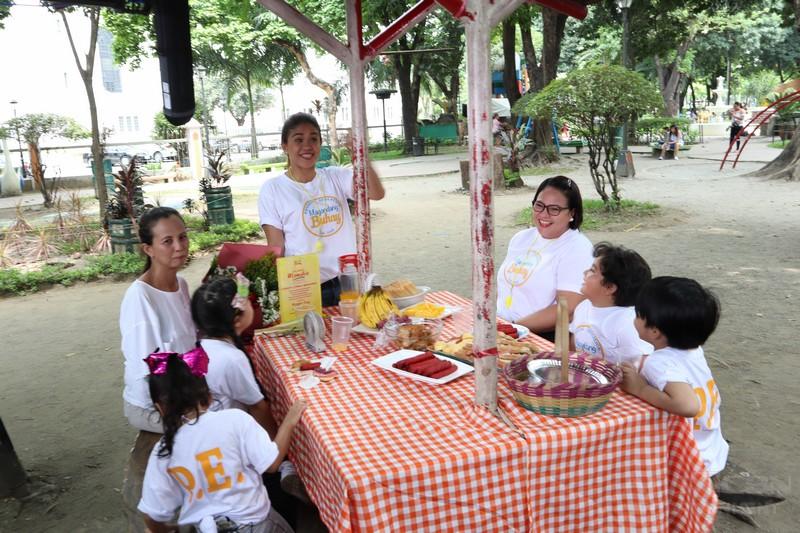 PHOTOS: Magandang Buhay Momshies tour around Luneta!