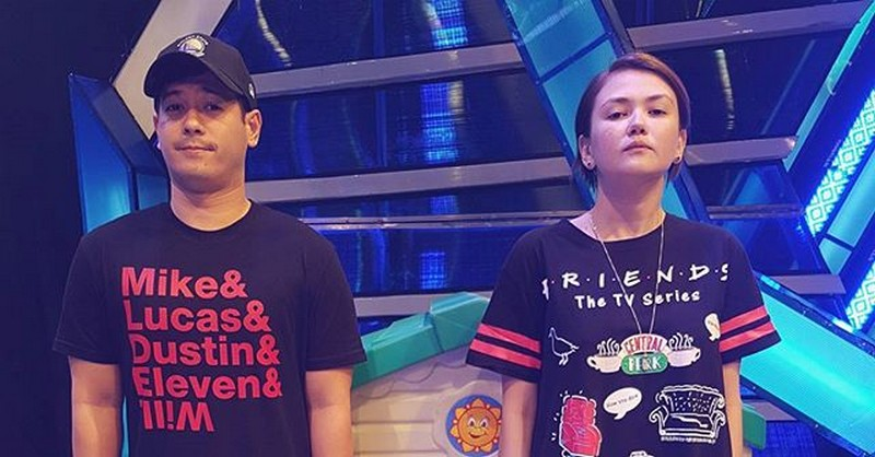 The Perfect Friendship of John & Angelica in 29 Photos