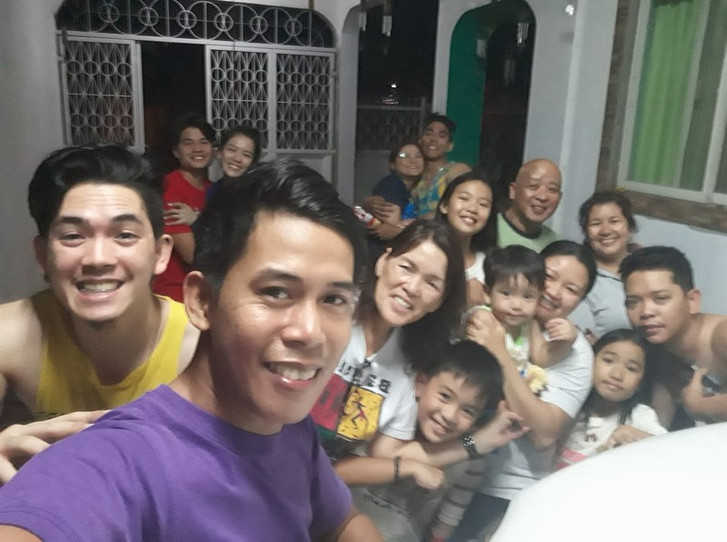 "LOOK: Rare photos of Jackque Gonzaga aka ""Ate Girl"" with her family"