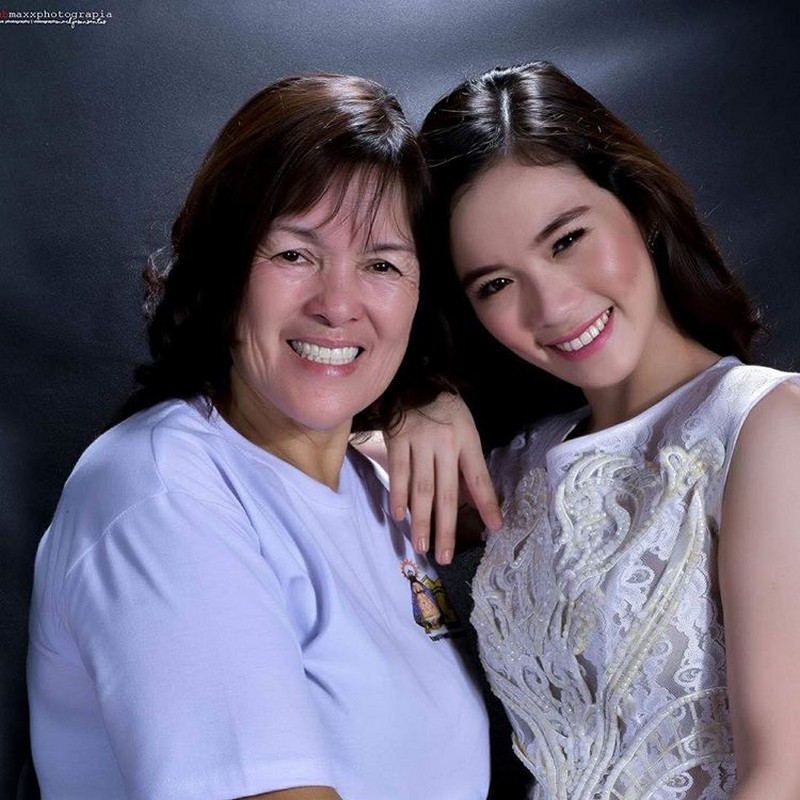 "I GOT IT FROM MY MOMMA! 13 photos of ""Ate Girl"" & Momshie Lucy that show they have beautiful genes!"