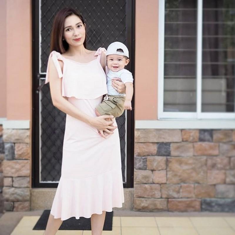 """Wala akong yaya"": 34 photos of Regine Angeles being a hands-on mom"