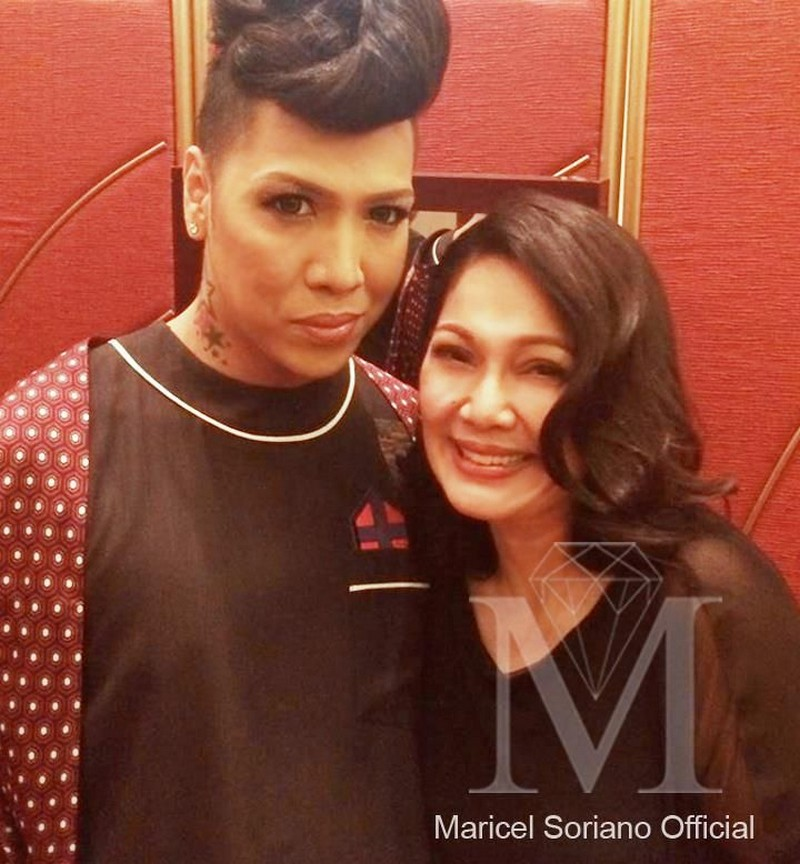 """Nanay ko 'yan!"": Here are photos of Vice Ganda living the dream life of every celebrity fan"