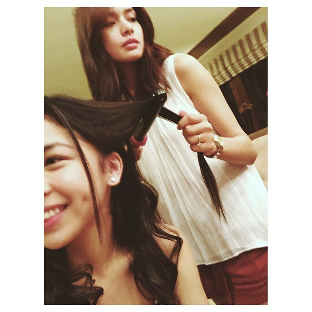 27 photos of Julia and Erich that show they got each other's back