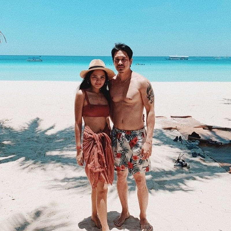 AGE DOESN'T MATTER: Just photos of Adrian & Joselle's happy relationship