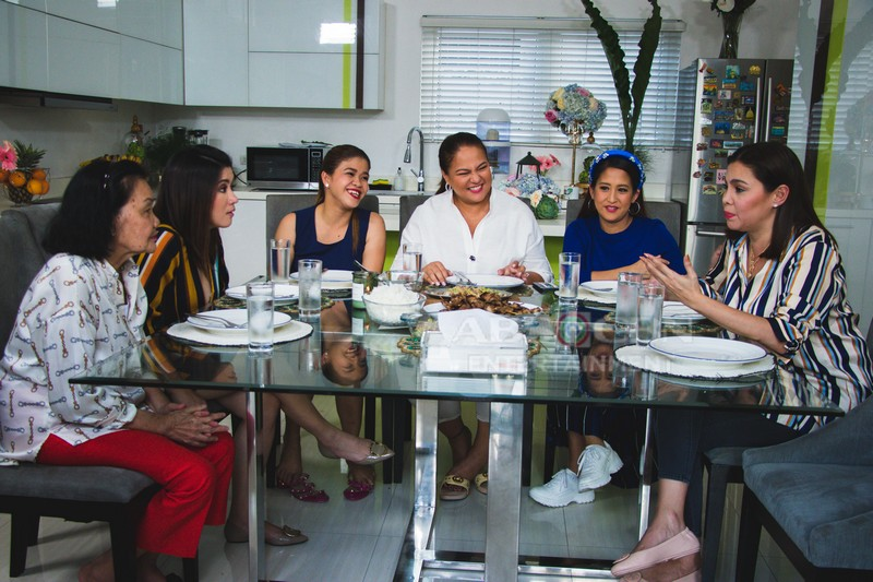 PHOTOS: Team Momshies visits Angeline Quinto's House