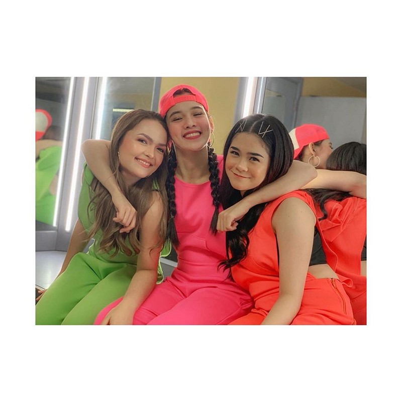 IN PHOTOS: The blooming friendship of It's Showtime's Jackie, Stephen and Sanrio